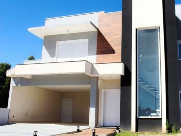 Foto 1 - Casa à Venda em Ponta Grossa, Jardim Carvalho, 4 quartos, Ref.: 51763-4 - ProcureImóvel