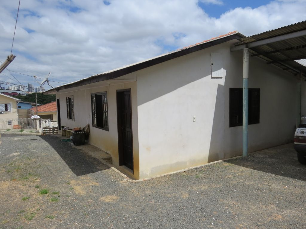 Venda - Casa - Casa - PR - Ponta Grossa - Nova Rússia - Rua Pirai do Sul - Madol Imóveis - 119771-4
