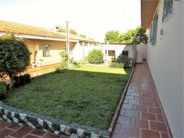 Venda - Casa - Casa - PR - Ponta Grossa - Orfãs - Rua Manoel Soares dos Santos - Madol Imóveis - 111304-4
