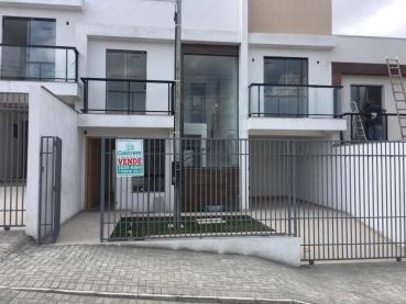 Sobrado de 106m² à Venda, 3 quartos - Ponta Grossa - Ref. 143042-4